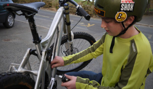 New Kid: Nial Oxley and his prototype Planet X DH bike