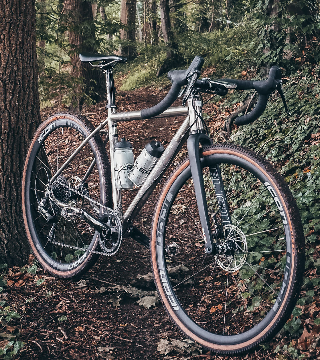 Road Bikes, Mountain, Track & Triathlon/Time Trial Bikes