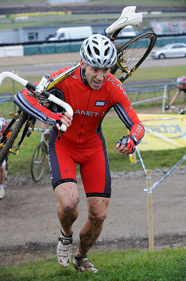How to Carry Your Bike in Cyclocross Racing