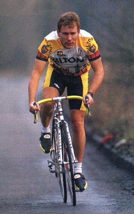 Paul Curran turns pro in 1989