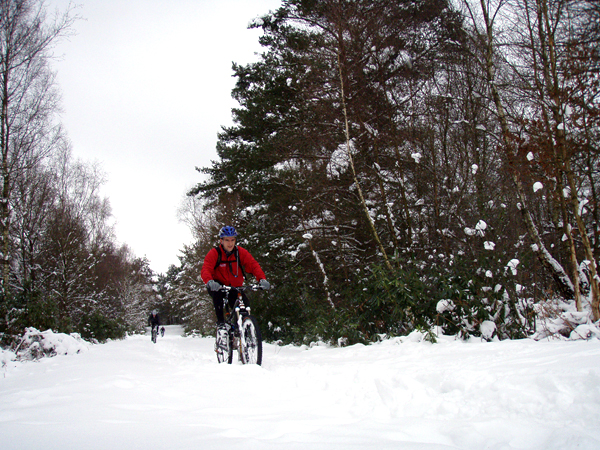 How to ride a bike in snow