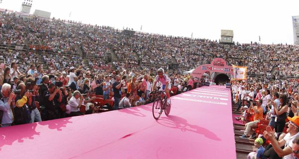 Scarponi Riding Guerciotti at 2010 Giro D'Italia