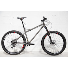 230 - On One Dee Dar / Medium / Grey / Sram X01 / Used