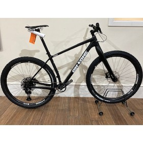 On-One Whippet / Large / Matt Black / Sram SX /