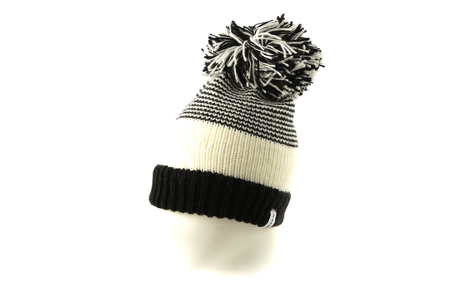 Carnac Bobbly Dazzler Beanie / White and Black