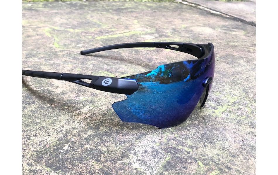 Carnac Equipe V2 Sunglasses / Matt Black / Blue Revo
