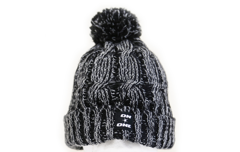 On-One Reflective Bobble Beanie / Black Marl