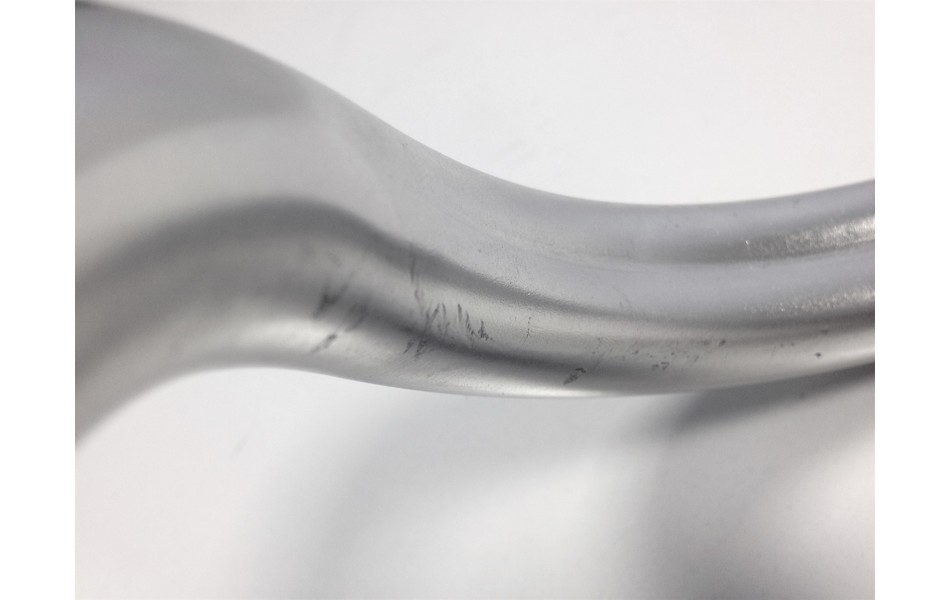 Nitto M104AA Classic Road Handlebar / Heat Treated Aluminium / 26.0mm / 42cm (Cosmetic Damage)