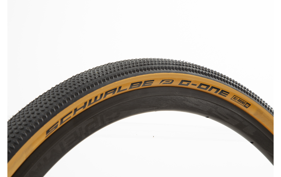Schwalbe G-One All Round Performance  Race Guard / Black and Tan Sidewall / 40mm